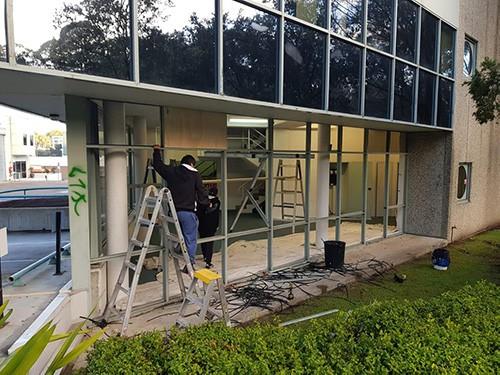 optimum window door glass replacement installation (13)